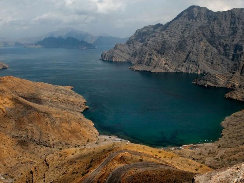 MasamdamMountains2-Oman